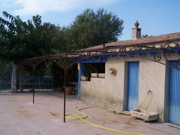 Tonnelle Saint rèmy de Provence, la Frise est en Carré Forgé