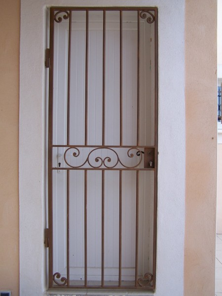 Porte de défense Tradition Installé sur Tarascon