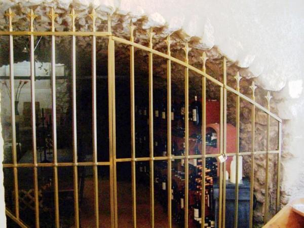 Grille de défense en renflée pour une cave de Cavaillon