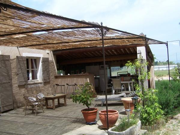 Tonnelle Provençale installé à Arles