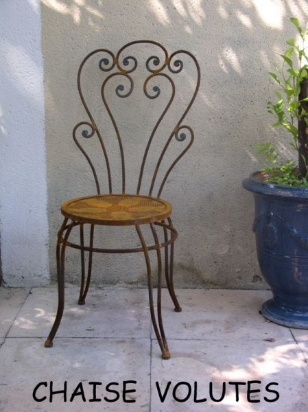 Chaise Volutes